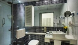 2.8Two Bedroom Suite - Washroom