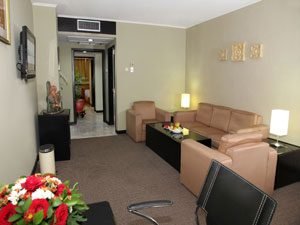 Jayakarta-Suite-(Living-Room)