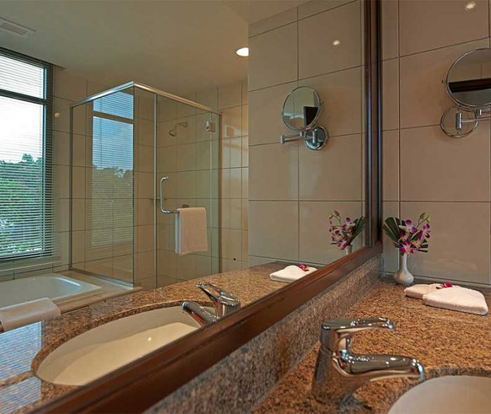 Eastin-Hotel-Petaling-Jaya---Bathroom-2